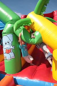 château gonflable pour le plaisir des enfants